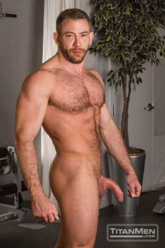 brks_shaymichaels_0807-hairy-muscle-men-5